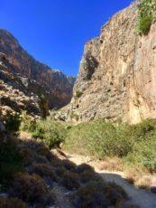 Matkarada ühes Kreeta idaosa kanjonis